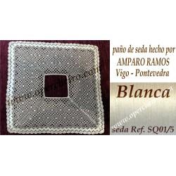 Pañuelo en seda de Amparo...